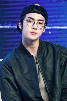Read ~Sehun~ from the story 🌻EXO Reactions🌻 by with reads. Imagine o Sehun a te olhar assim: Kpop Exo, Chanbaek, Exo Ot12, Kaisoo, Baekhyun Chanyeol, Park Chanyeol, Exo Chen, Kim Minseok, Seokjin