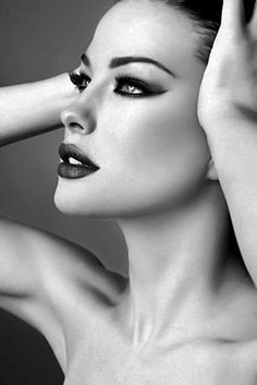 Liv Tyler's glamour makeup