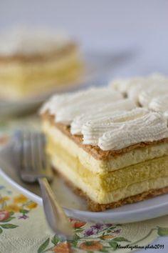 Trancetto diplomatico di L. Italian Pastries, Crepe Cake, Fondant Icing, Specialty Cakes, Gorgeous Cakes, Cake Pops, Eat Cake, Italian Recipes, Deserts