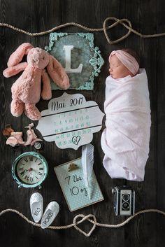 ideas for baby girl photography newborn birth announcements Newborn Birth Announcements, Birth Announcement Template, Foto Newborn, Newborn Shoot, Newborn Pictures, Baby Pictures, Foto Baby, Baby Memories, Baby Keepsake