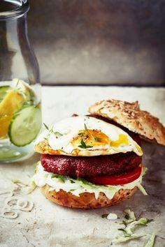 Hamburger, Sandwiches, Vegetarian, Chicken, Ethnic Recipes, Food, Hamburgers, Hoods, Meals