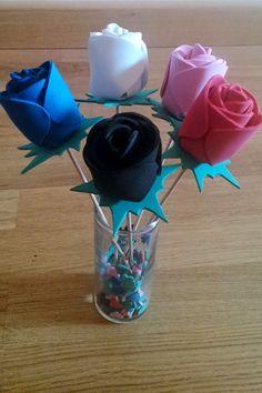Rosas realizadas con goma eva.