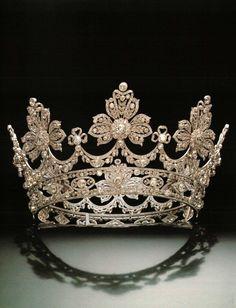 a diamond strawberry leaf coronet, possibly Spanish tiara Royal Crowns, Royal Tiaras, Crown Royal, Tiaras And Crowns, Faberge Eier, Diamond Tiara, Royal Jewelry, Circlet, Bridal Crown