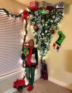 of the most Creative Christmas Trees Upside Down Tree.these are the most Creative Christmas Tr Upside Down Christmas Tree, Grinch Christmas Tree, Grinch Christmas Decorations, Creative Christmas Trees, Christmas Trees For Kids, Christmas Humor, Christmas Holidays, Christmas Crafts, White Christmas