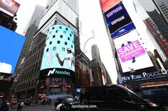 NEW YORK,NY - JULY 25: A Tottenham Hotspur advert plays on a screen in Time Square on July 25, 2017 in New York, New York. (Photo by Tottenham Hotspur FC/Tottenham Hotspur FC via Getty Images)