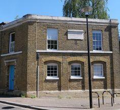 Sewers Surrey & Kent, Duffield Sluice: Industrial-style building dating back to 1822. Bermondsey London, Bermondsey Street, London Docklands, Builders Warehouse, Victorian Buildings, Concrete Stairs, London Lifestyle, London Landmarks, London Architecture