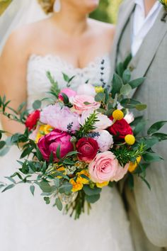 If you're in need of a little wedding eye candy, this bouquet by Big Events, Inc. will do just the trick. It's the perfect way to kick off this Tennessee love affair set al fresco, and Rachel Moore photographed the fun from start to finish. Bridal Flowers, Flower Bouquet Wedding, Flower Bouquets, Wedding Sets, Wedding Colors, Wedding Dreams, Wedding Cakes, Rustic Wedding Inspiration, Modest Wedding Dresses