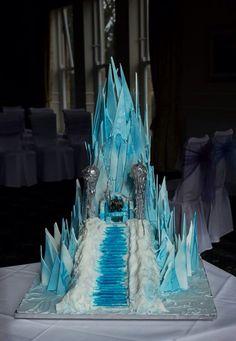 World of Warcraft ice mountain castle cake