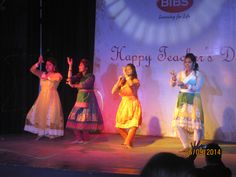 Students performing on Teacher's Day. Teachers Day Celebration, Learning For Life, Teachers' Day, Bibs, Students, Celebrities, Happy, Celebs, Burp Cloths