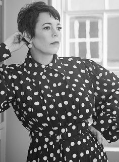 Olivia Coleman, English Actresses, Golden Globe Award, The Crown, Polka Dot Top, Girlfriends, Men Casual, Goddesses, Celebrities