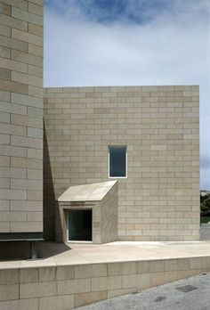 Galician Centre for Contemporary Arts | Álvaro Siza | Photo : Duccio Malagamba