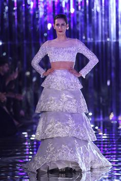 See Manish Malhotra's complete India Couture Week 2017 show featuring Alia Bhatt and Ranveer Singh on Vogue. Pakistani Fancy Dresses, Indian Gowns Dresses, Designer Bridal Lehenga, Indian Bridal Lehenga, Lakme Fashion Week, India Fashion, Indian Attire, Indian Outfits, Western Outfits