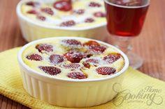 Strawberry Clafoutis (faina inlocuita cu 3 linguri faina ovaz, 2 amidon, 1 lapte praf degresat si zaharul inlocuit cu indulcitor)