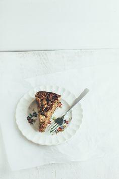 Memorial Day Whole Grain Recipes: Banana Pecan Quinoa Cake   the Vanilla Bean Blog #memorialday #wholegrainholiday