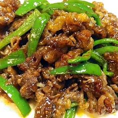 """Stir-fried beef & pepper with spicy sauce"" - japanese recipe Spicy Recipes, Asian Recipes, Beef Recipes, Cooking 101, Cooking Recipes, My Favorite Food, Favorite Recipes, Ground Meat Recipes, Fried Beef"