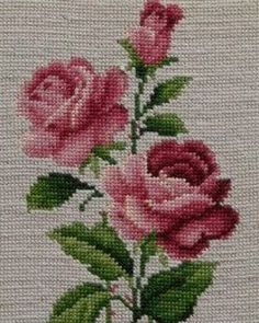 This Pin was discovered by Fad Just Cross Stitch, Cross Stitch Flowers, Cross Stitch Charts, Cross Stitch Designs, Cross Stitch Patterns, Ribbon Embroidery, Cross Stitch Embroidery, Beading Patterns, Embroidery Patterns