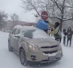 OUTRAGEOUS! Students At Oregon University Bully a Professor As He Struggles To Drive In The Snow! Click to watch this disgraceful behaviour...