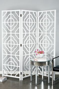 Michelle Screen in White. Love the idea of screens. Home Decor Furniture, Furniture Making, Boudoir, Glass Wall Art, Home Decor Accessories, Home Decor Inspiration, Home Accents, Wood Decorations, Folding Screens