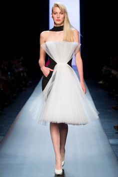 See all the Collection photos from Jean Paul Gaultier Spring/Summer 2015 Couture now on British Vogue Couture 2015, Spring Couture, Couture Fashion, Couture Style, Jean Paul Gaultier Women, Paul Gaultier Spring, Fashion Week, Fashion Show, Paris Fashion