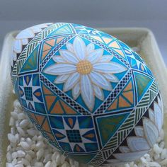 I finished my daisy egg after work today. I #etched it to give the daisy a bit of dimension. Here's a close up of that section #easteregg #Easter #pysanky #batik #etched #turkey egg #decorated egg #collectible