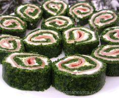 Rolls with spinach Romanian Food, Cucumber, Spinach, Sushi, Good Food, Rolls, Appetizers, Vegetables, Ethnic Recipes