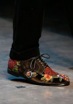 Needlepoint embroidered shoes from #dolcegabbana Winter 2014 collection