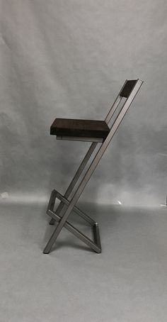 X-style bar stool with backrest. Modern bar stool by AlexMetalArt Welded Furniture, Iron Furniture, Steel Furniture, Industrial Furniture, Custom Furniture, Furniture Ideas, Cool Bar Stools, Bar Stools With Backs, Counter Height Bar Stools