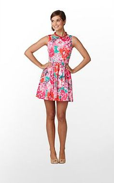 Perfect summer dress! The back has a cutout :)