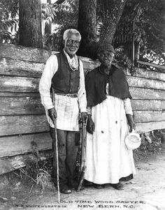 Elderly couple from New Bern, North Carolina. Photograph by M.E. Whitehurst, c1890.