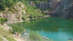 Zatopený Beňatinský kameňolom sa nachádza pár kilometrov od ukrajinských hraníc. Prirovnanie k chorvátskej turistickej atrakcii si vyslúžil vďaka svojej tyrkysovej vode. River, Outdoor, Outdoors, Outdoor Games, The Great Outdoors, Rivers