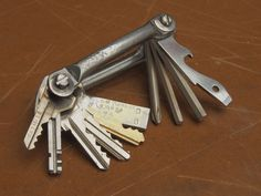 Multi key + Bike Tools + USB Drive + Bottle opener + Screwdriver (~$15 ~1hr) #multitool