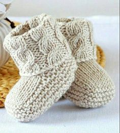 KNITTING PATTERN Baby Booties with Aran Cable Cuffs - This listing is for a PATTERN and not the finished item. Baby Booties in Classic traditional Aran Pattern - Double turn-down cuffs for comfort, luxury and security - difficult to kick off! Baby Knitting Patterns, Baby Booties Knitting Pattern, Knitting Terms, Knit Baby Booties, Knitting Stitches, Free Knitting, Knitting Projects, Crochet Patterns, Cable Knitting