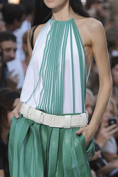 Chloé at Paris Fashion Week Spring 2012 - Details Runway Photos High Fashion, Fashion Beauty, Fashion Show, Womens Fashion, Paris Fashion, Hot Pants, Dries Van Noten, Dior, Mint Green Dress