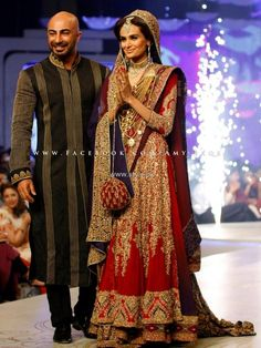 HSY is one of the most popular luxury fashion houses in Pakistan. Recently, we saw HSY bridal collection at Pantene Bridal Couture Week Pakistani Bridal Lehenga, Pakistani Couture, Pakistani Wedding Dresses, Pakistani Outfits, Best Wedding Dresses, Bridal Lenghas, Red Lehenga, Walima, Indian Bridal Wear