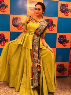 Chaniya choli Garba Dress, Navratri Dress, Lehnga Dress, Cape Lehenga, Lehenga Blouse, Lengha Choli, Gown Dress, Anarkali, Choli Blouse Design