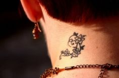 flowers and vines neck tattoo for women #neck #tattoo #women #female