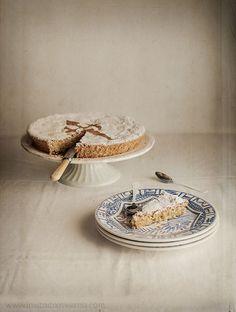 La tarta de Santiago de toda la vida, solo con almendra, huevo y azúcar. Te cuento todos los secretos.