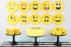 Who doesn't love a good Emoji Party? Emoji parties are all the craze at the moment! I recently styled an Emoji Party and we had so much fun. Those silly little faces are so cheerfu Party Emoji, Emoji Party Supplies, Party Kulissen, Party Props, Party Games, Kids Party Themes, Birthday Party Themes, Party Ideas, Diy Ideas