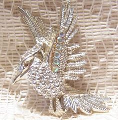 Vintage Silvery Gold Bird in Flight by ViksVintageJewelry on Etsy, $9.99