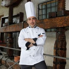 TORCHIO ANTICO. Via Palladio 46, Lugo di Vicenza - tel. 0445/860358 - info@villagodi.com/ Vi basta una location d'eccezione, nelle barchesse di una villa palladiana patrimonio dell'Unesco, a fare di un ristorante il vostro prediletto? Se non vi basta, questo è il posto giusto: perché al fascino dell'impareggiabile cornice unisce una cucina semplice ma ricca di suggestione, nel solco di una rigorosa fedeltà alla tradizione vicentina e lughese.