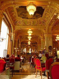 Cafe New York Budapest.-
