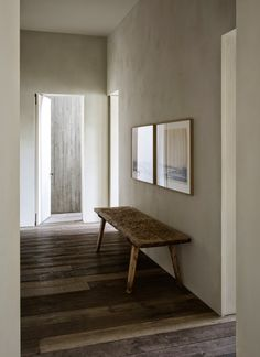 Design Hotel Find: The Apartment by Graanmarkt 13 Antwerp : Melting Butter Home Living, Living Spaces, Living Room, Interior Architecture, Interior And Exterior, Bedroom Minimalist, Interior Minimalista, Plaster Walls, House Entrance