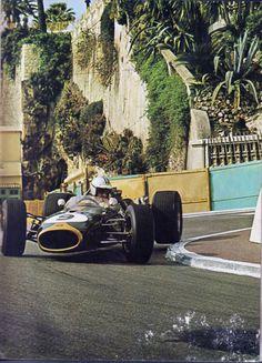 Denny Hulme, Brabham-Repco, winner of the 1967 Monaco Grand Prix. Grand Prix, F1 Racing, Road Racing, Karting, F1 Posters, Montecarlo Monaco, Classic Race Cars, Gilles Villeneuve, Race Engines