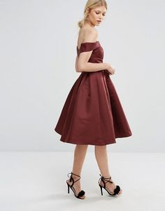 Chi Chi London Petite Off Shoulder Full Prom Midi Dress €48.00