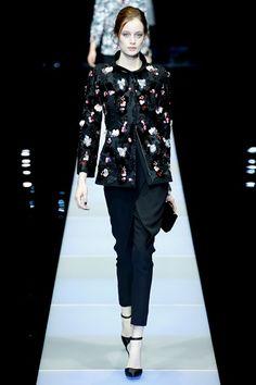 Sfilata Giorgio Armani Milano - Collezioni Autunno Inverno 2015-16 - Vogue