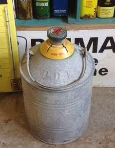 1000 images about vintage oil cans on pinterest oil for The motor company marinette