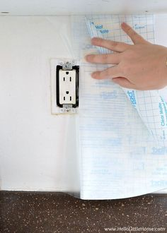 Contact paper just became your new best friend! 31 Astounding Things You Didn't Know You Could Do With Contact Paper :) Sponsored pin. #crafts #diy #hometalk #decor #projects #homedecor #easy #ideas