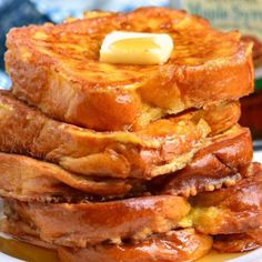 This is the best French Toast recipe and so easy. This classic recipe features sweet egg-soaked Brioche bread and served with your favorite toppings. Easy Soup Recipes, Cake Recipes, Dessert Recipes, Milk Recipes, Simple Recipes, Bread Recipes, Yummy Recipes, Recipies, Best French Toast
