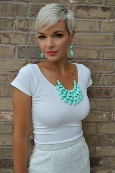 Short pixie haircuts and platinum hair color? What a powerful combination! Enjoy our gallery and be sure to check the 3 very useful v...