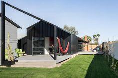AZ Bungalow by foundry12 >> http://www.homeadore.com/2015/03/02/az-bungalow-foundry12/… Please RT #architecture #interiordesign